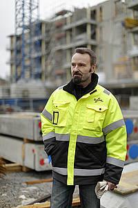 Dahl Turun varastopäällikkö Markku Honkanen työmaalla